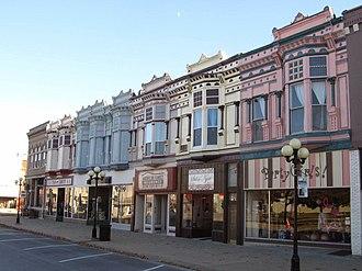 Iola, Kansas - Image: Downtown Iola, KS