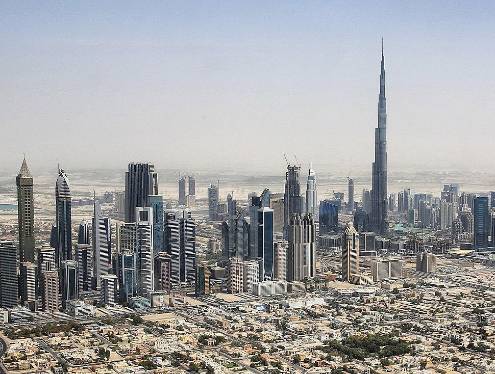 Dubai skyline 2015 (crop)