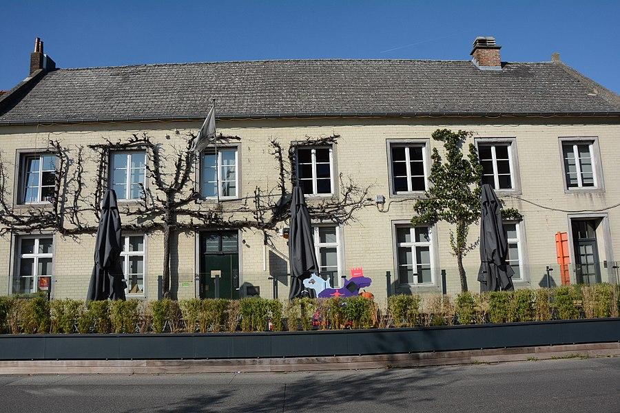 Dubbelhuis, Alfred Algoetstraat 2A-4, Sint-Kwintens-Lennik