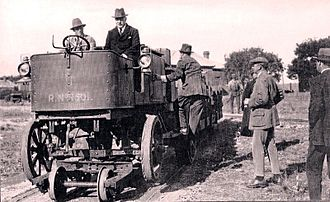 1923 in South Africa - Road-rail tractor prototype
