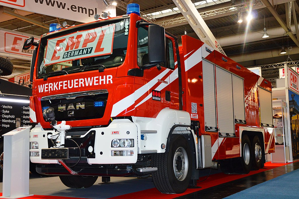 File:EMPL LF Fire Fighting Vehicle on MAN TGS 26 440
