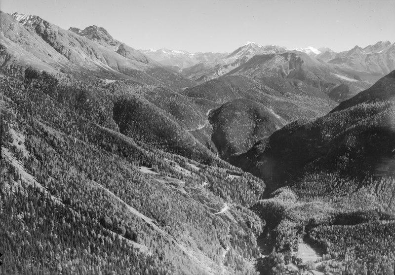 File:ETH-BIB-Nationalpark, Ofenpass, Blick nach Südost-LBS H1-018075.tif