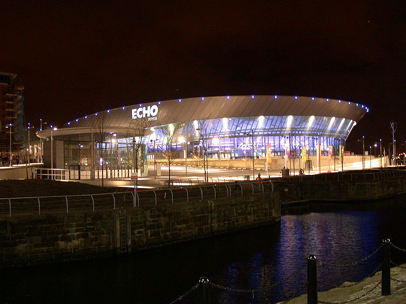 Dossier: Echo Arena de Liverpool à night.jpg