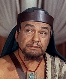 L'actor estatounitense Edward G. Robinson, en una scena d'a cinta The Ten Commandments (1956).