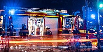 Einsatz der Feuerwehr Tübingen an der Blauen Brücke am 22.08.2020 03.jpg