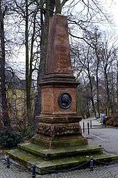 Denkmal für Karl Christian Friedrich Krause auf dem Krauseplatz in Eisenberg (Quelle: Wikimedia)