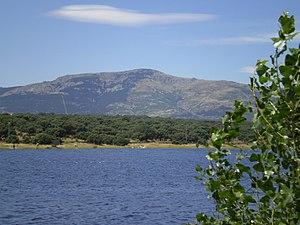 Mount Abantos - Image: Embalse de Valmayor 3