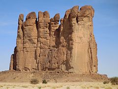Ennedi Mountains (23509788093).jpg