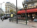 Entrée Station Métro Guy Môquet Paris 1.jpg