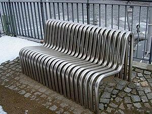 Heizkraftwerk Berlin-Mitte - heated benchs of ...