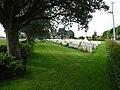 Esquelbecq le cimetière militaire (2).JPG