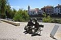 Estátuas de Fernando Lopes Graça e Fernando Araújo Ferreira - Tomar - Portugal (25998859803).jpg