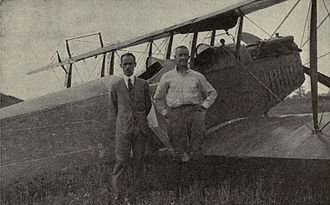 Étienne Dormoy - Image: Etienne Dormoy and John A. Macready in front of 1st crop duster aircraft