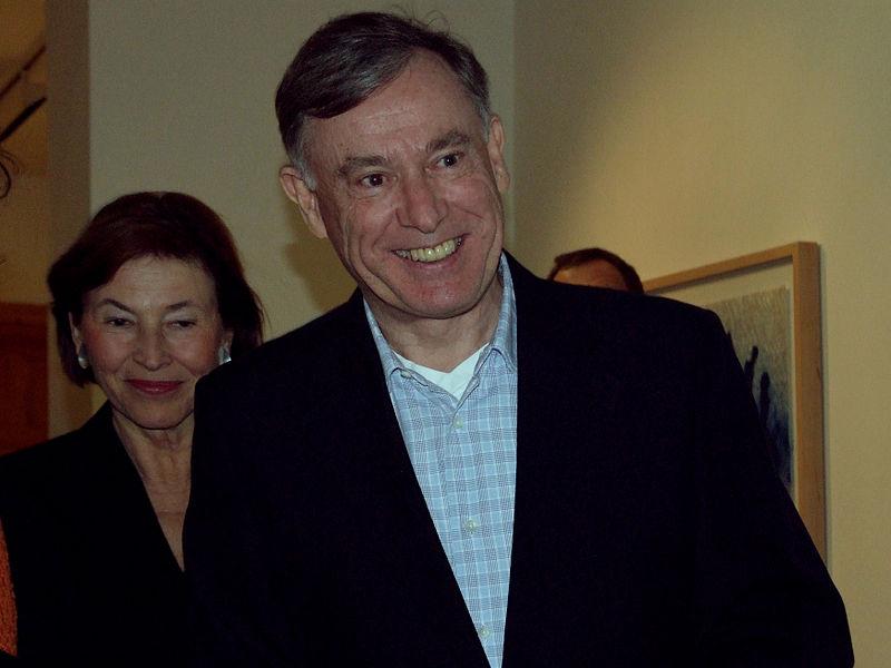 Datei:Eva Luise und Horst Köhler während einer Vernissage in der Galerie Michael Schultz, 2007.jpg
