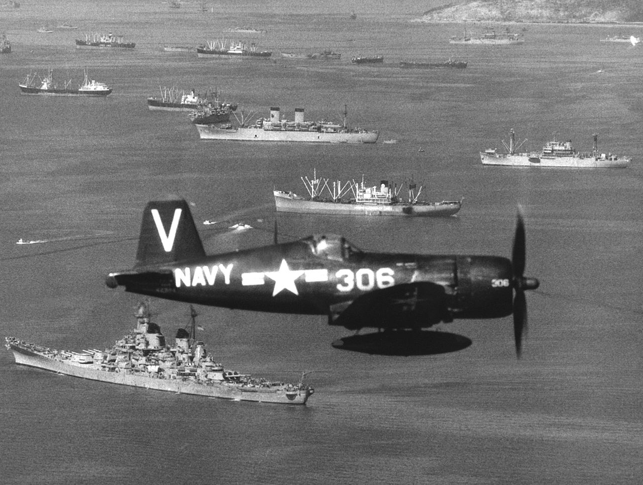 file f4u-4b vf-113 cv-47 1950 jpeg
