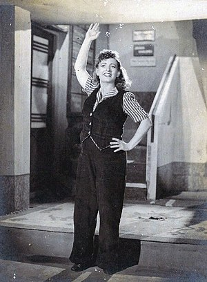 English: Fearless Nadia in the Indian movie 11...