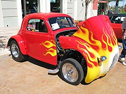 Fiat Topolino hot rod.