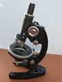 Fine rotative table Microscope 31 (12996428783).jpg
