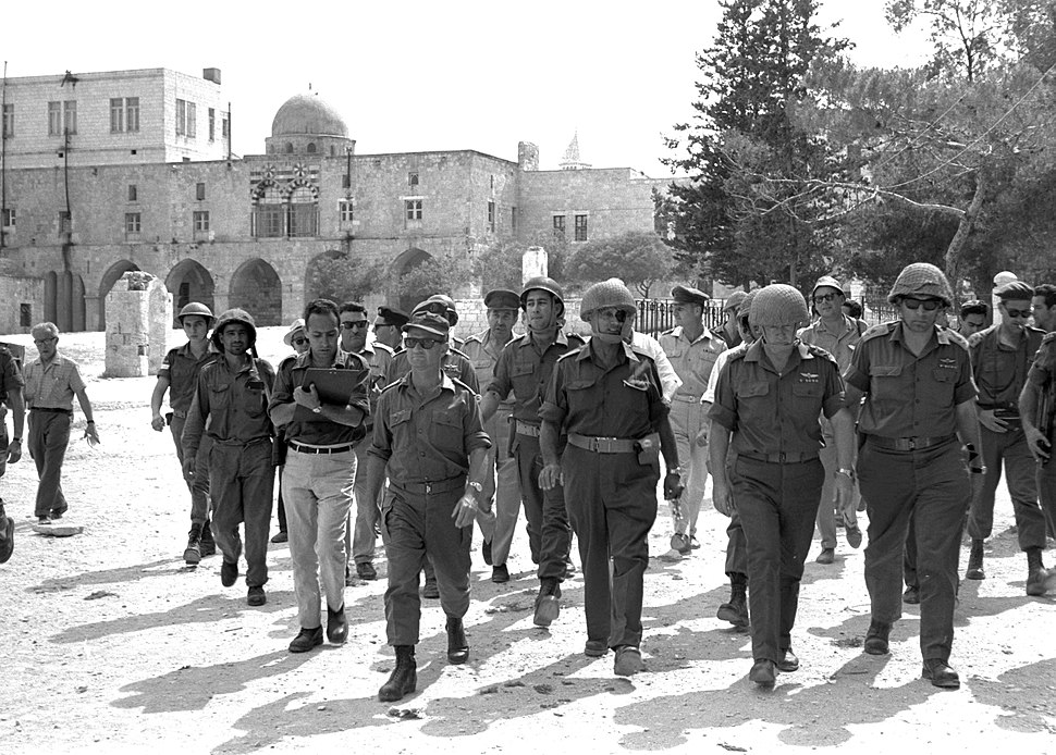 Flickr - Government Press Office (GPO) - Defense Minister Moshe Dayan, Chief of staff Yitzhak Rabin, Gen. Rehavam Zeevi (R) And Gen. Narkis in the old city of Jerusalem