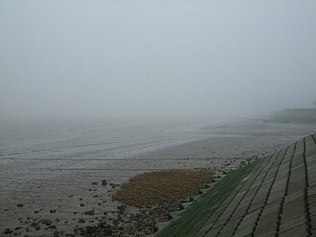 English: Fog on the Humber The Humber foreshor...