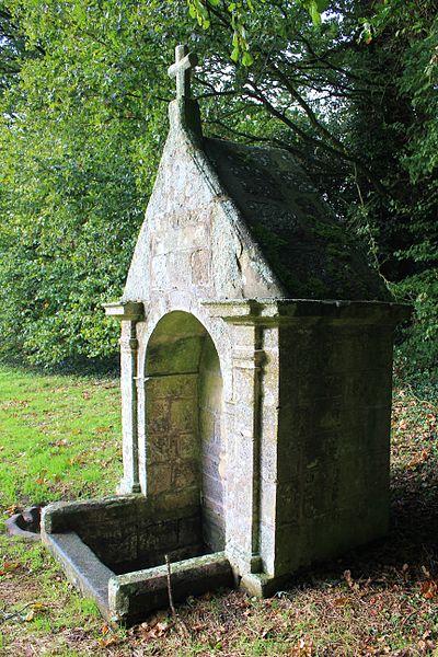 Fontaine Saint-Clair (Réguiny): vue opposée