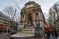 Fontaine Saint-Michel (22482857761).jpg