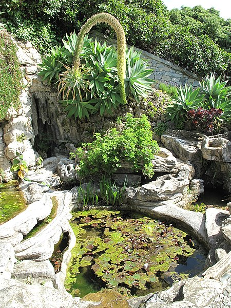 File fontana nirvana villa hanbury italy jpg wikipedia for Jardin hanbury