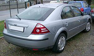 Ford Mondeo (second generation) - Hatchback