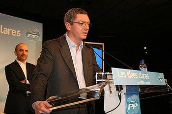 Alberto Ruiz Gallardón en el inicio de campaña...
