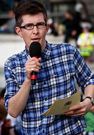 Gareth Malone - Gareth Malone rehearsing at Trafalgar Square