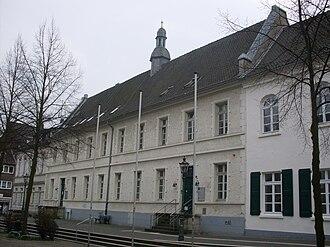 Düsseldorf-Gerresheim - Image: Gerresheim Rathaus 10598