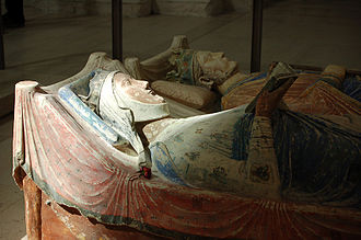Tomb effigies of Eleanor and Henry II at Fontevraud Abbey (Wikipedia)