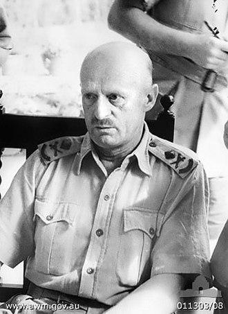 Gordon Bennett (general) - Bennett, briefing war correspondents in Malaya, January 1942