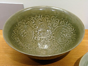 Society of the Song dynasty - Yaozhou ware celadon bowl, 10th to 11th century