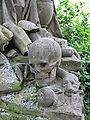 Grabmal Heinrich Maas - Erzbischh. Kanzleidirektor Detail Totenschädel.jpg