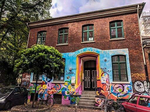 Graffiti in Hamburg: Gemeindehaus St. Pauli (Antoniestraße 12, Hamburg St. Pauli)