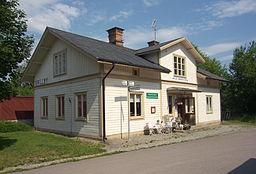 Grillby f d jernbanestation, nu bygningsplejebutik