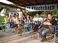 Grundschule Sendelbach feiert auf seinen Abschluss auf dem Sportplatz in Pflochsbach.JPG