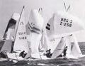 Gybe mark in race 1 of the 1982 Soling Worlds Freemantle.png