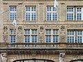 Hôtel Pichon, Bordeaux, sculptures et balcon, à gauche.jpg