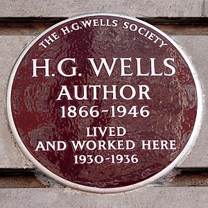 H. G. Wells - Plaque by the H. G. Wells Society at Chiltern Court, Baker Street in the City of Westminster, London, where Wells lived between 1930 and 1936