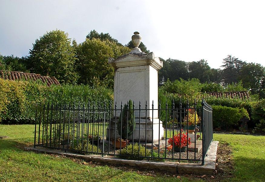 Tombe du Maréchal Jean-Isidore Harispé à Lacarre.