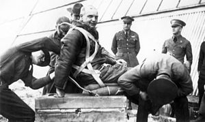Hawthorne C. Gray - Gray (center) prior to his final altitude record attempt.