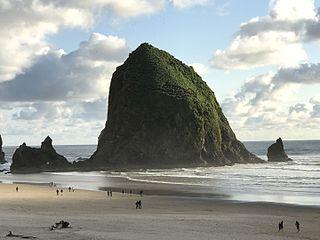 Haystack Rock sea stack in Oregon, United States