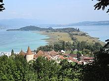 Photographie panoramique de paysage en couleur, prise du château d'Erlach.