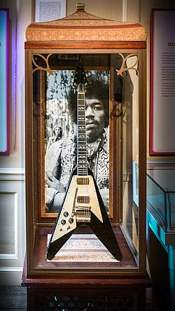 Hendrix Gibson Flying–V 2010.jpg