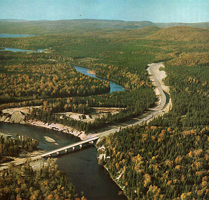 Bear (novel) - The landscape of Algoma District, at the crossing of the Michipicoten River by Ontario Highway 17