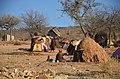 Himbas, Himbové ve městě Opuwo - Namibie - panoramio (1).jpg
