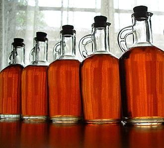 Liqueur - Image: Homemade strawberry liqueur