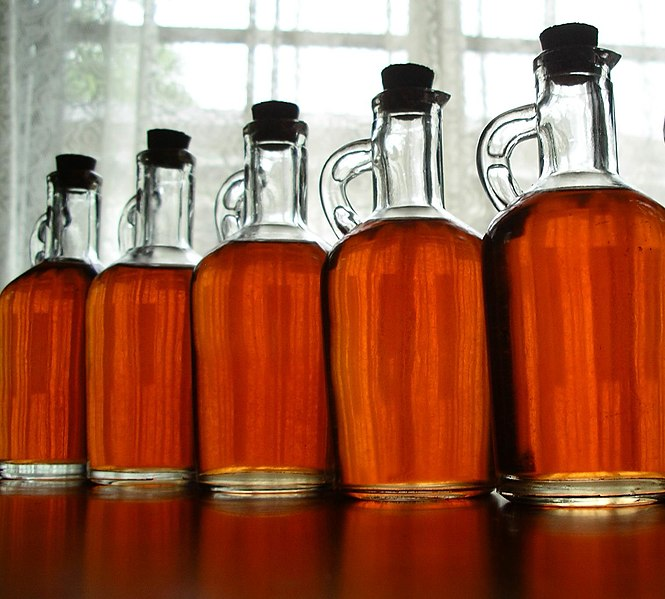 File:Homemade strawberry liqueur.jpg - Wikipedia, the free ...